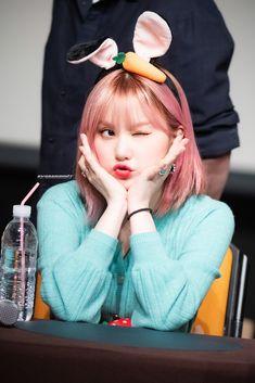 Pop Group, Girl Group, Win My Heart, G Friend, Pose Reference, Korean Girl, Girlfriends, Snow White, Dancer