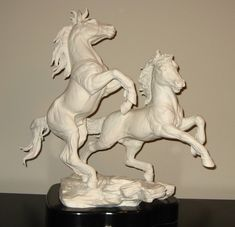 "Made In The Malvern England Boehm Studio. 1976 Boehm Porcelain HORSE Sculpture. Mold # 5005. ""AMERICAN MUSTANGS"". Issued In 1976 To A Limited Edition Of 75. Excellent Condition. 