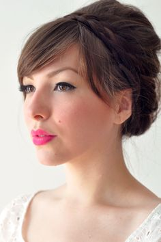 Step onto the scene with these season's hottest makeup trend…bright pink lips! (Photo on Bridal Musings)
