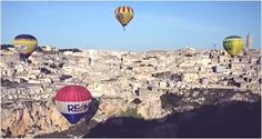Flying in balloons over the houses-caves of Matera Caves, Festivals, Balloons, Houses, Italy, Homes, Globes, Italia, Cave