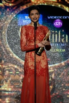 Deepika padukone at the IIFA Awards | PINKVILLA