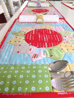 sweet placemat set!  Bee In My Bonnet: Blue Plate Special...Get it While its Hot!!!...