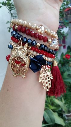 15 Styles of Matching Couple Bracelets That Charming Your Hands Crystal Bracelets, Jewelry Bracelets, Jewelery, Ankle Bracelets, Diy Schmuck, Schmuck Design, Bracelet Crafts, Jewelry Crafts, Handmade Bracelets