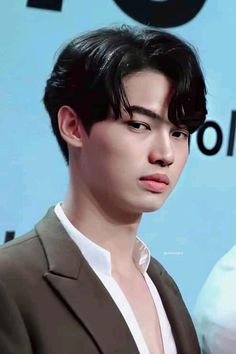 Bright Pictures, Lucci, Kdrama Actors, Korean Artist, Really Funny Memes, Asian Actors, New Love, Super Junior, Korean Singer