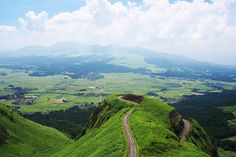 The Kyushu Highway in the Kumamoto Prefecture on the island of Kyushu in Japan Beautiful Places In Japan, Wonderful Places, Kyushu, Kumamoto, Vacation Trips, Dream Vacations, Japanese Hot Springs, Japanese Lifestyle, Japanese Love