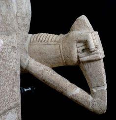 Necropoli di Monti Prama (OR) Ancient Art, Ancient History, Supreme Art, Stone Sculpture, Bronze Age, Sardinia, Roman Empire, Archaeology, Sculpting