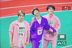 Hyunjin with Hyunjae&JuHaknyeon(The Boyz) Friendship Group, Kim Sun, Kid Memes, Lee Sung, Cutest Thing Ever, Golden Child, Cybergoth, Seungkwan, Kpop Boy