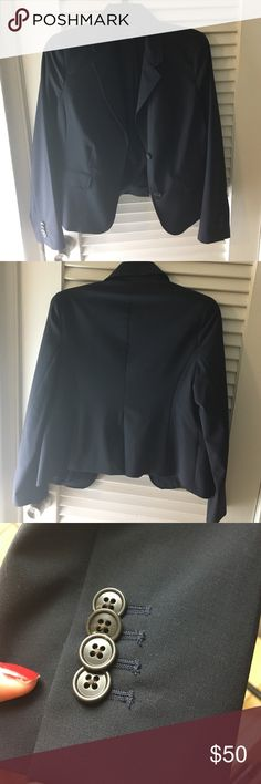 🚨PRICE✂️CLOSET CLEAR OUT🎯Dark blue office blazer Lands' end dark blue office blazer size M, worn once. 🚫No trades, price is firm🚫 Lands' End Jackets & Coats Blazers