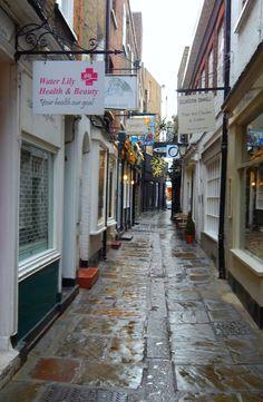 Richmond Upon Thames, London, Britain - UK Beautiful Streets, Beautiful Places, Richmond Upon Thames, Britain Uk, England, I Want To Travel, London Life, Old London, Surrey