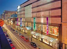 Le Centre Eaton de Montréal | Situé au cœur de Montréal  Crédit : © Le Centre Eaton de Montréal #Shopping #Montreal #Downtown Commerce, Boutique, Centre, Relax, Shopping, Boutiques