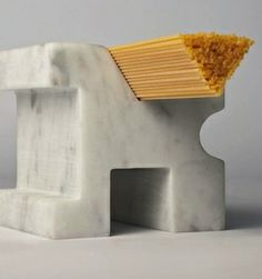 Spaghetti-Messmaschine aus Carrara-Marmor