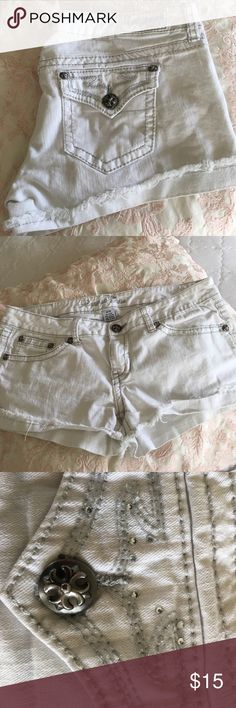 Miss me lookalikes! Not Miss mes! Super cute low rise shorts. They look like Miss me shorts w jewels on pockets. Perfect condition, no stains! Miss Me Shorts Jean Shorts