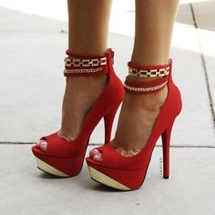 Women's Fashion High Heels : 2 Chains Platform Heels Dream Shoes, Crazy Shoes, Me Too Shoes, Heeled Boots, Shoe Boots, Shoes Heels, Pump Shoes, Red Heels, Ankle Heels