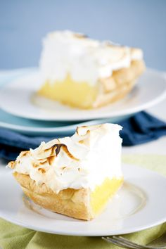 Lemon Meringue, it's at the top of my favorite pie list too Yummy Treats, Delicious Desserts, Sweet Treats, Dessert Recipes, Yummy Food, Tart Recipes, Meringue Cake, Lemon Meringue Pie, Eat Dessert First