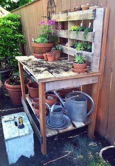 Pallet Garden Bench, hifrienddesign.com                                                                                                                                                      More