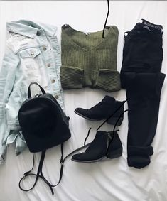 Always lay your outfit out! Teenage Outfits, Winter Fashion Outfits, Fall Winter Outfits, Fashion Fashion, Fashion Ideas, Tumblr Outfits, Mode Outfits, Cute Comfy Outfits, Stylish Outfits