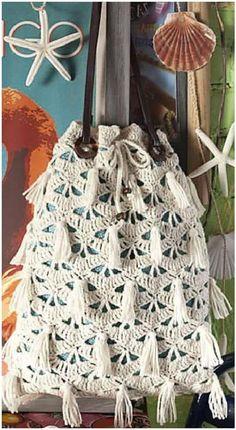 Drawstring Bag pattern by Mary Jane Hall Drawstring Bag pattern by Mary Jane Hall in the 2013 issue of Vogue Knitting Crochet -posted on Ravelry Crochet Video, Love Crochet, Beautiful Crochet, Knit Crochet, Ravelry Crochet, Vogue Knitting, Crochet Handbags, Crochet Purses, Crochet Bags