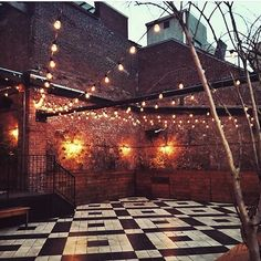 Our outdoor patio looking beautiful. ( @elodie_louloute)