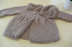 Little girl's coat and hat La Malle aux Mille Mailles Knitting For Kids, Baby Knitting, Crochet Baby, Little Girls Coats, Baby Barbie, Baby Sweaters, Fall Trends, Baby Design, Knit Patterns