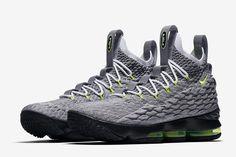 new product 61fb5 e9769 Nike Lebron 15