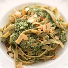 11 snabba, vegetariska middagstips | Middagstips & enkla recept på vardagsmat Thai Recipes, Ricotta, Food Inspiration, Spaghetti, Vegetarian, Eat, Yoghurt, Daughter, Thai Food Recipes