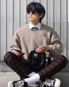 Taehyung Selca, Kim Taehyung Funny, Korean Outfits, Mode Outfits, Look Fashion, Korean Fashion, Taehyung Photoshoot, Bts Inspired Outfits, Bts Face