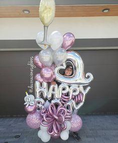 Balloons DecorationsさんはInstagramを利用しています:「Alegrámos corazones 🙋🏼♀️🙋🏻♀️👀 . . . 3 y 4 de noviembre #ILUSSIONCLASS Reserva en el Link de la biografía ⬆️⬆️⬆️ . . . DecoracionesGlobos…」 Balloon Box, Balloon Display, Balloon Gift, Balloon Bouquet, Balloon Arrangements, Balloon Decorations, Birthday Decorations, Party Favors For Kids Birthday, 90th Birthday