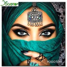 YOGOTOP Diamond Embroidery Beautiful eyes Diy Diamond Painting Cross Stitch Kits for Square Diamond Mosaic Needlework Arabian Eyes, Arabian Makeup, Bridal Makeup, Wedding Makeup, Bollywood Makeup, Bollywood Fashion, Beauty Makeup, Hair Makeup, Makeup Style