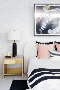 Best Bedroom Decor of 2017- modern simplicity
