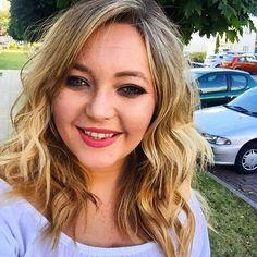 Feeling bitchin, enjoying a little purple smoky eye from @urbandecaycosmetics and wearing @ctilburymakeup amazing grace on my lips #lipstick #matte #makeup #instadaily #instastyle #instamakeup #fotd #motd #beauty #blogger #bbloggers #smiley #selfie #blonde #sunny #summer #smokyeye