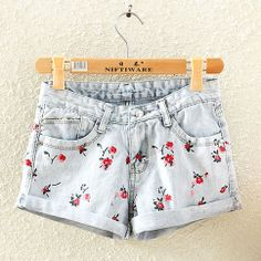 Floral Print Roll Up Low Waist Denim Cutoffs Shorts Studded Shorts, Denim Cutoff Shorts, Cute Shorts, Short Shorts, Hot Outfits, Pretty Outfits, Summer Outfits, Summer Clothes, Diy Clothes