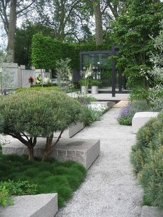 In The Garden Modern Garden Our 20 Best Before & Afters Japanese garden beauty Modern Garden Design, Contemporary Garden, Modern Landscape Design, Modern Design, Modern Landscaping, Garden Landscaping, Modern Pergola, Metal Pergola, Garden Pavers