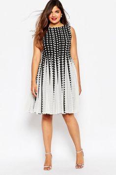 Abendkleider für Mollige: In diesen Glamour-Outfits sehen Kurven umwerfend aus!