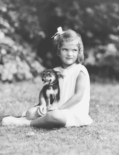 Jacqueline Bouvier Kennedy at age four, ca. 1934 ~ John F. Kennedy Library,♥❃❋✽✾❀❃ ♥  http://en.wikipedia.org/wiki/Jacqueline_Kennedy_Onassis
