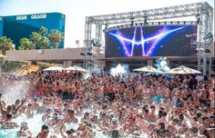 Happy Friday, indeed! Join us at the hottest pool parties this weekend: http://gvt.travel/vAI92R  #Vegas #TGIF #pooltime