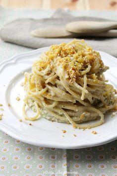 ricotta...che passione: Spaghetti con pesto di topinambur e briciole di pane, sesamo e limone