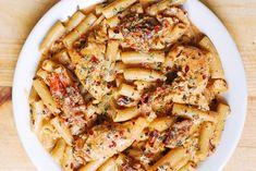 Chicken Mozzarella Pasta with Sun Dried Tomatoes - Healthy Recipe Pasta Dinner Recipes, Yummy Pasta Recipes, Pasta Dinners, Chicken Pasta Recipes, Appetizer Recipes, Cooking Recipes, Beef Recipes, Cooking Tips, Vegetarian Recipes