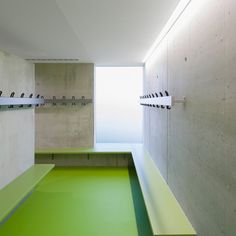 Sporthalle - Zoll-Architekten Stadtplaner GmbH Central Kitchen, Service Dog Training, Gym Interior, Hospital Photos, Caring Company, Behind Bars, Fitness Studio, School Design, Architecture