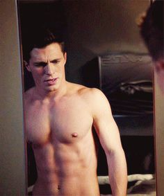 The 26 Hottest Shirtless Gifs Of Colton Haynes - thebacklot.com