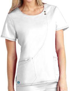Adar Pop-Stretch Junior Fit Taskwear Curve Line Scrub Top Scrubs Outfit, Scrubs Uniform, Scrubs Pattern, Womens Scrubs, Medical Scrubs, Nursing Dress, Scrub Tops, Diy Clothes, Dress Patterns