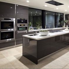 If you want a luxury kitchen, you probably have a good idea of what you need. A luxury kitchen remodel […] Luxury Kitchen Design, Best Kitchen Designs, Luxury Kitchens, Interior Design Kitchen, Home Kitchens, Home Design, Design Küchen, Diy Interior, Luxury Interior