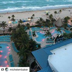 Credit to #michelembaker  ・・・ #margaritaville #hollywoodflorida #beachlife🌴 #HollywoodTapFL #HollywoodFlorida #HollywoodFL #HollywoodBeach #DowntownHollywood #Miami #FortLauderdale #FtLauderdale #dania #daniabeach #Aventura #Hallandale #hallandalebeach #Pembrokepines #miramar #broward  (at Margaritaville Hollywood Beach Resort)