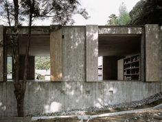 Hiroshi Sambuichi – Miwa Gama ceramics studio and store, Hagi 2002. Photos © Daici Ano.