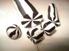 ballon 9 noir gris et blanc en polymère