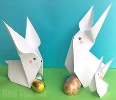 Oh yes, it is that time of year again (or at least it is for me.. I simply CANNOT wait) – Easy Paper Bunny Origami time!!!!!!! I love Spring and Easter Crafts.. and all the lovely DIYs associated with this time of year – from Easter Basketstoegg decorating ideas, tochick craftsand OF COURSEbunny crafts. Now …