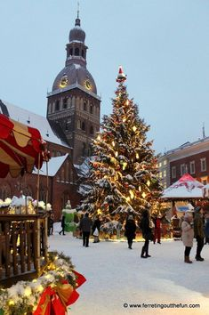 A snowy Christmas market in Riga, Latvia Latvia Travel Honeymoon Backpack Backpacking Vacation Budget Off the Beaten Path Wanderlust Italian Christmas, Cozy Christmas, Christmas Markets, Christmas Scenery, Christmas Time, Places Around The World, Around The Worlds, Air Balloon Rides, Riga Latvia