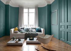 Du bleu vert enveloppant côté salon