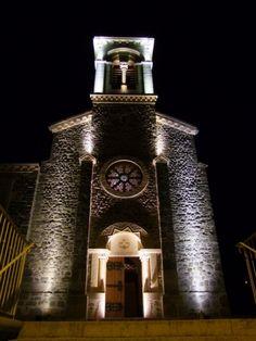 8 exterior church lighting ideas