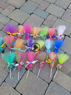 Items similar to Troll pops party favor 36 pack. Put your hair in the air with these cute party favors. Made in any color combinations, just ask! This listing is for a 12 pack of assorted c… Festa do trolls Arts And Crafts Ideas Trolls Birthday Party, Troll Party, 3rd Birthday Parties, Birthday Party Decorations, Birthday Gifts, 2nd Birthday, Birthday Ideas, Birthday Design, Party Themes