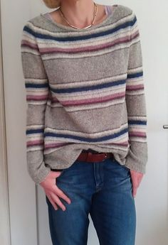 Hanami by Isabell Kraemer, pattern on Ravelry. Top down, seamless, XS-XXL, available in English, Italian, Dutch and German.